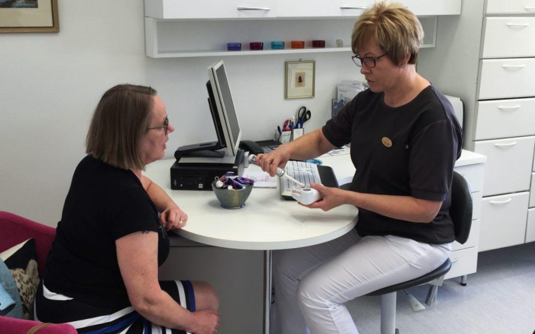 Potilaan silmin – Suuhygienistin vastaanotolla implanttihoidon jälkeen